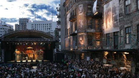 Final_Concert._Fiddler_on_the_roof__2010__fot.Jacek_Barcz.4
