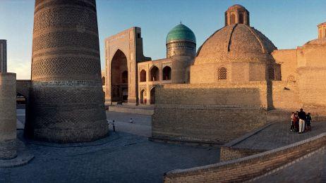 Uzbekistan_start_dobre_bew_30290