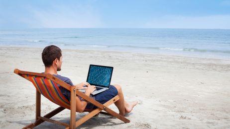 Internet w czasie wakacji. Konieczny?
