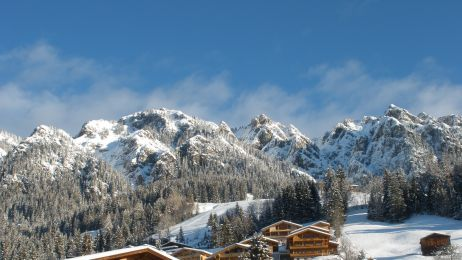 alpbach-dorfansicht-im-winter