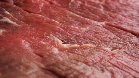 Mięso przyczyną otyłości na świecie? Jest raport