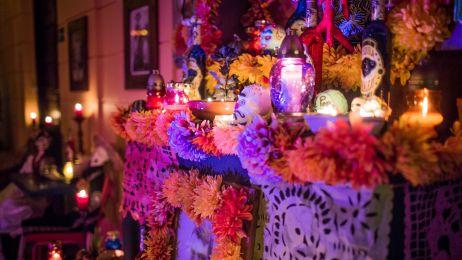 Meksykańskie Święto Zmarłych na talerzu