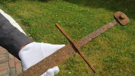 600-letni miecz odnaleziony w Polsce!
