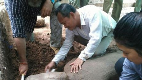Statua w Angkor Wat