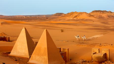 Najliczniejsza i najsłynniejsza w Sudanie grupa piramid znajduje się na północ od Chartumu - w Meore.