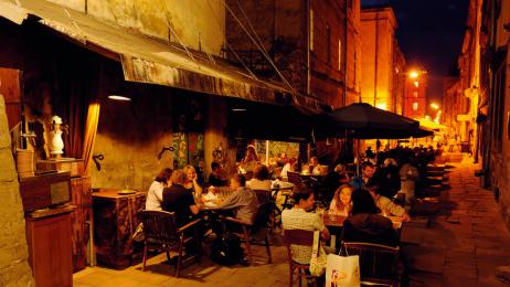 Café Dzyga  to popularne miejsce wśród artystycznego światka Lwowa.