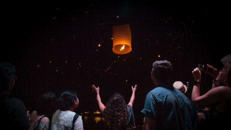 Loy Krathong - święto obchodzone podczas pełni księżyca w Chiang Mai