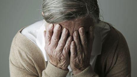 Jak rozpoznać chorobę Alzheimera? 10 alarmujących symptomów