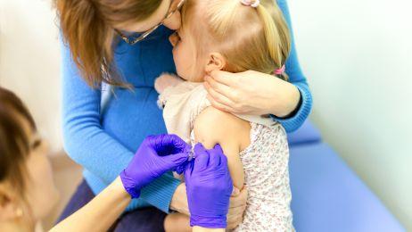 """86 proc. Polaków: """"szczepionki są bezpieczne"""". Nie ulegliśmy antyszczepionkowym nastrojom"""