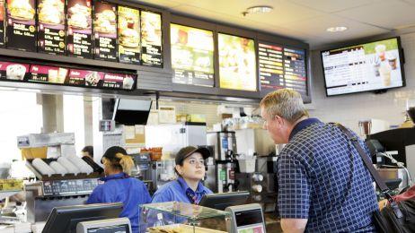 Frytki z McDonald's dobre na łysinę? Odpowiedzią jest zawarta w nich chemia