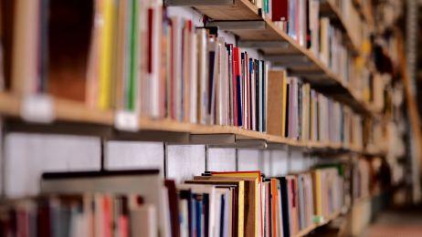 35% Polaków nie ma w domu żadnej książki oprócz podręczników szkolnych. Raport Biblioteki Narodowej