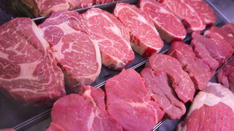 """""""Powinniśmy ostrzegać przed mięsem, jak przed cukrem"""" - alarmują dietetycy"""