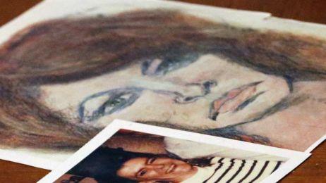 Roberta Tandarich - jedna z wielu ofiar Samuela Little. Zdjęcie Roberty leży obok jej portretu autorstwa mordercy fot. Akron Beacon Journal/Associated Press/East News