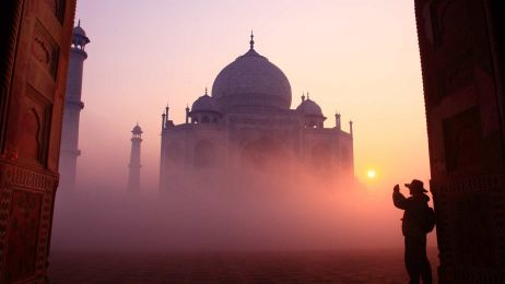 Widok na Taj Mahal w Indiach fot. Getty Images