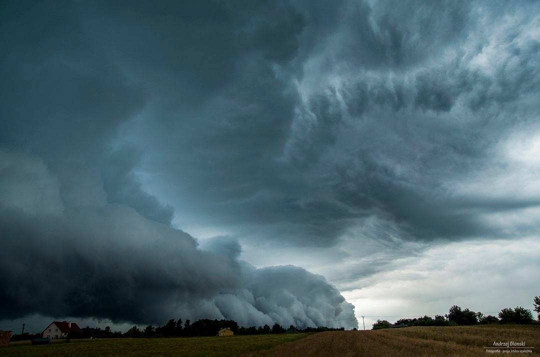 Te zdjęcia pokazują potęgę i piękno przyrody. Polski sezon burz w pełni [GALERIA] - Te zdjęcia pokazują potęgę i piękno przyrody. Polski sezon burz w pełni [GALERIA]