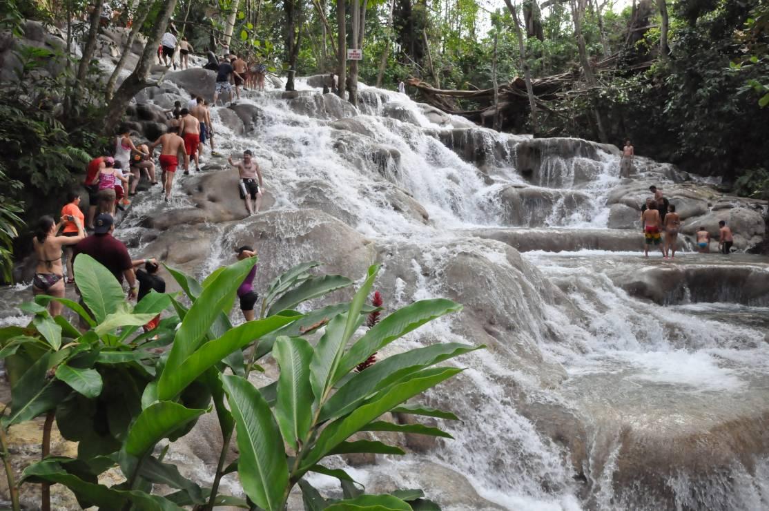 Wodospady na rzece Dunn - Jamajka to nie tylko plaża i palmy. Oto 7 miejsc, które warto zobaczyć