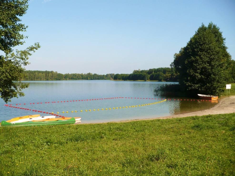 8. Jezioro Okonińskie, Bory Tucholskie - 10 najpiękniejszych jezior w Polsce