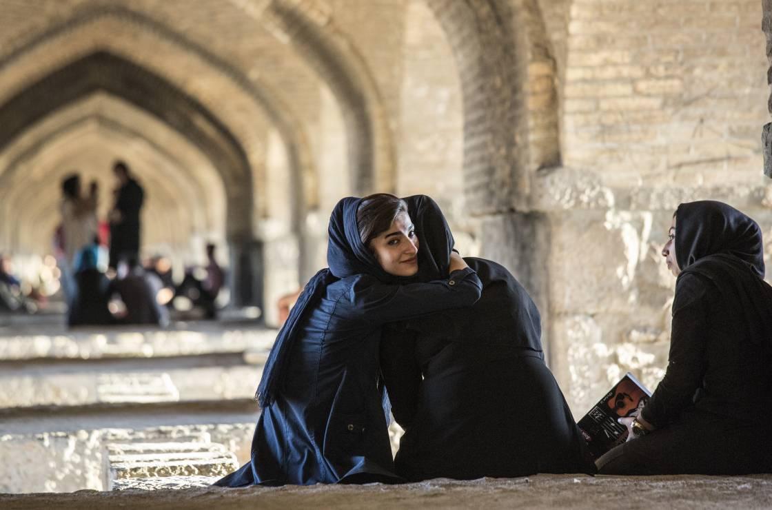 Pod mostem w Isfahanie nie musi być smuto - Poprzez historię do współczesnego Iranu. Radosław Fiedler śladami polskich uchodźców