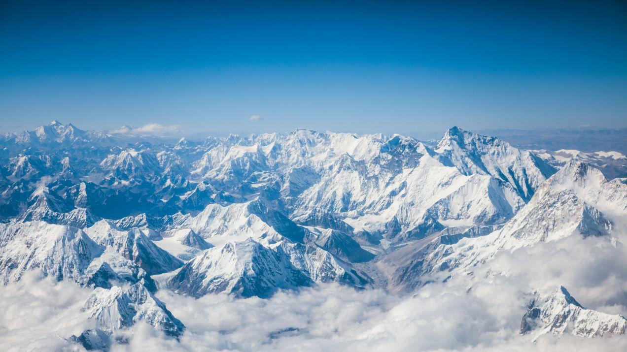 Himalaje widoczne pierwszy raz od wielu lat z odległości 200 km. Za sprawą  czystszego powietrza - National Geographic